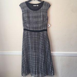 Halogen Pleated Cap Sleeve Midi Dress